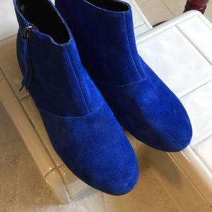 Dolce Vita blue suede booties with low heel